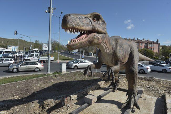 Melih Gökçek dinozorların fiyatlarını açıkladı - Son Dakika Flaş Haberler