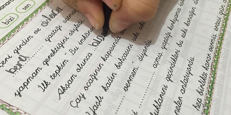 Okullarda El Yazisi Karari Yine Degisti Son Dakika Flas Haberler