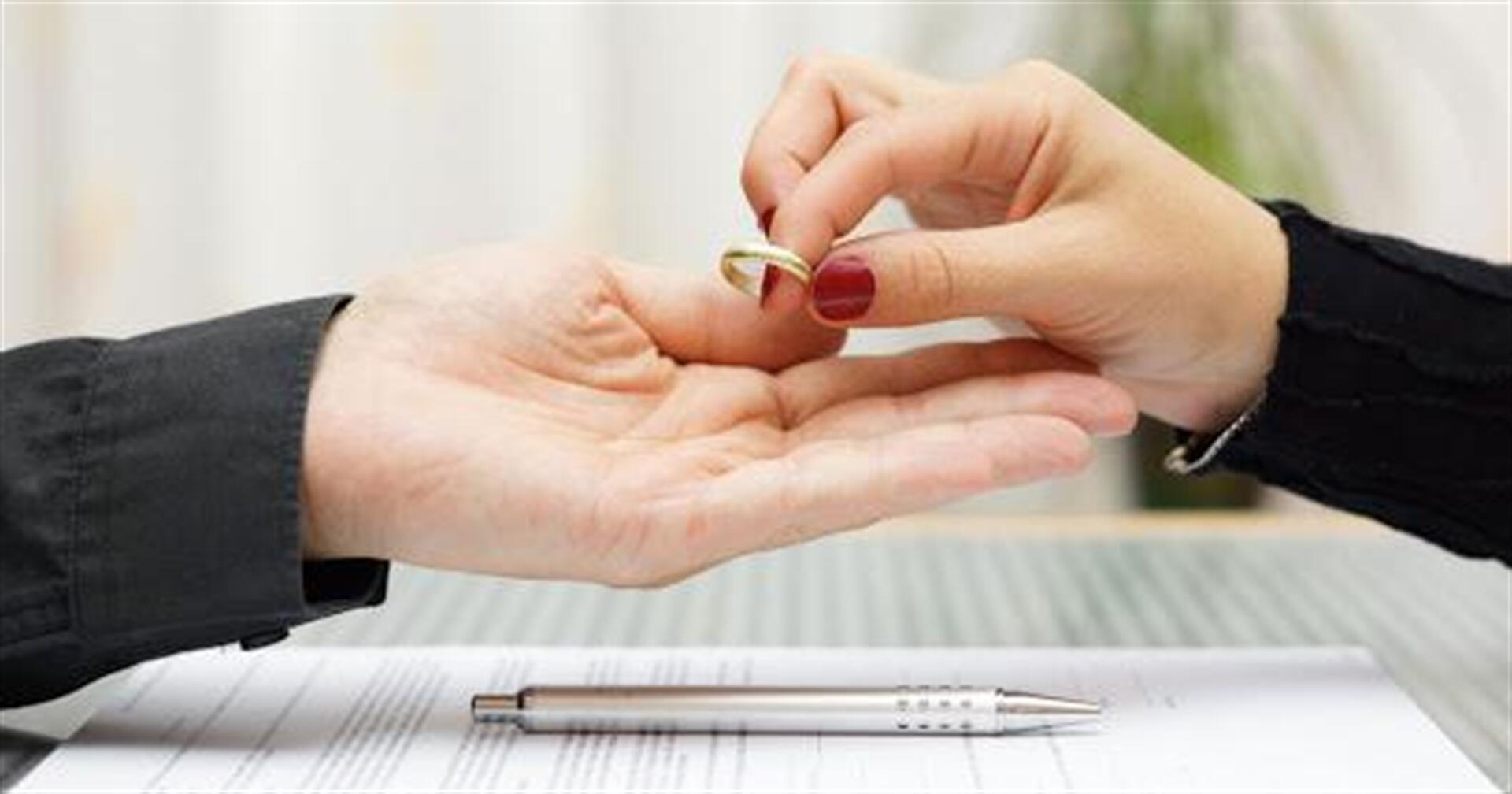 Karantinin faydası: Toylarla yanaşı, boşanmalar da azalıb - MÜQAYİSƏ