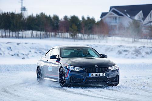 BOM 2020 sezonunu Kars'ta kar sürüşüyle açtı