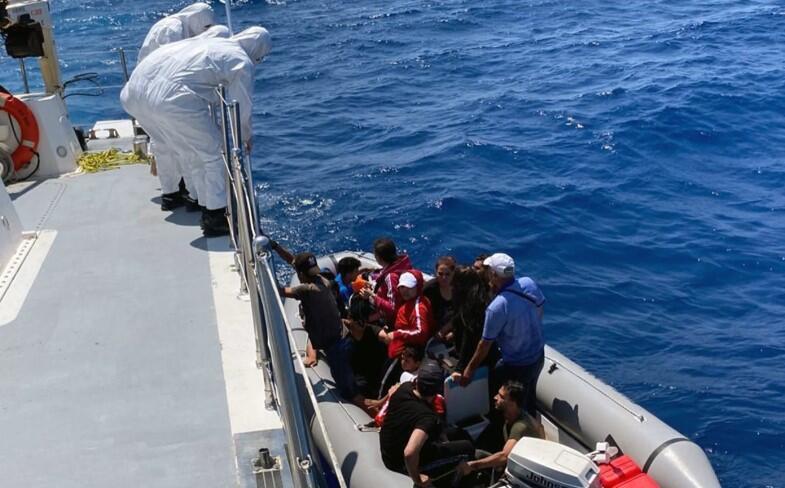 Son dakika... Marmaris'te 60 sığınmacı kurtarıldı