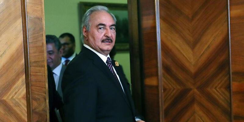 Güç kaybeden Hafter'e darbeci Sisi'den destek geldi