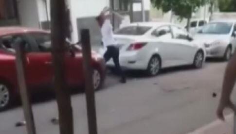 Son dakika... Eşiyle kavga eden kişi otomobilinin camlarını kırdı