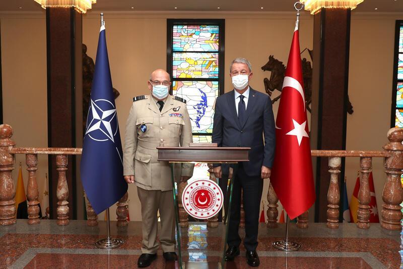 Son dakika... Bakan Akar, NATO Askeri Komite Başkanı ile görüştü