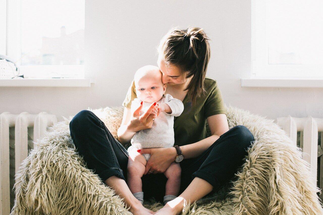 Bebeklerde Öksürük Neden Olur, Nasıl Geçer? Bebeklerde Öksürüğe Ne İyi Gelir?