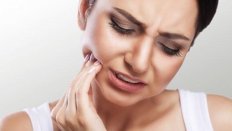Diş Eti Ağrısı Neden Olur? Diş Eti Ağrısına Ne İyi Gelir, Nasıl Geçer?