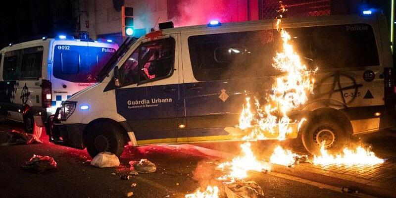 Barcelona'da rapçi Hasel protestoları şiddete dönüştü