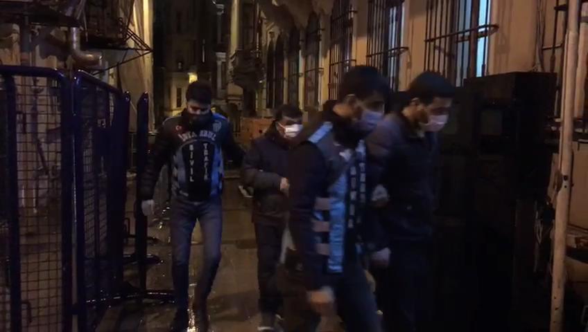Beyoğlu'nda değnekçiler suçüstü yakalandı