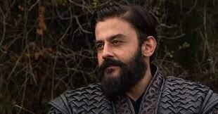 Kuruluş Osman Savcı Bey kimdir, gerçek adı ne? Kanbolat Görkem Arslan hangi dizilerde oynadı? thumbnail