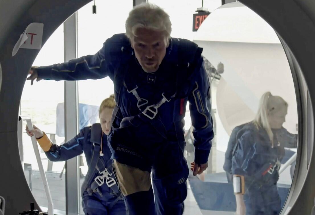 Tarihe geçti! Richard Branson uzaya giden ilk milyarder oldu