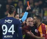Son Dakika: Fenerbahçe-Galatasaray derbisinde kart rekoru kırıldı