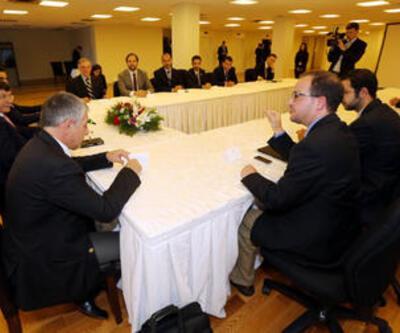 Davutoğlu, New York'ta Suriyeli heyetle görüştü