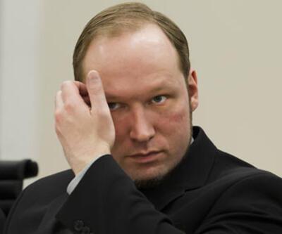 Katliamcı Breivik'in annesi öldü!