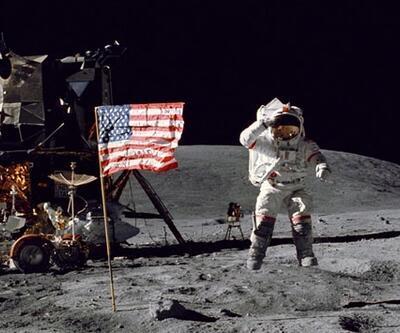 Ay'daki sözleri doğaçlama olmayabilir