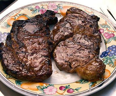 """""""Kızartılmış et yemek bunama riskini artırıyor"""""""