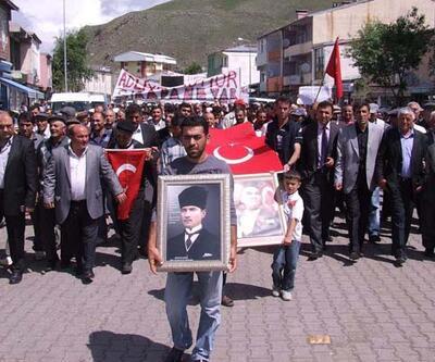 Mahkemenin kapatılmasını protesto ettiler!