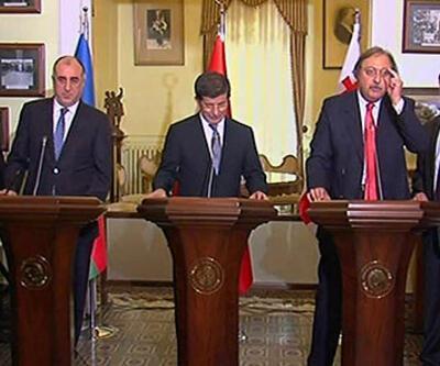 """Azeri Bakan'dan """"vize'' açıklaması"""