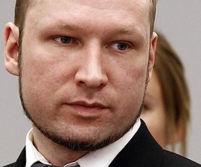 Breivik ölenlerin yakınlarından özür diledi