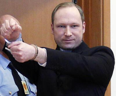 Breivik sahte diploma satıyormuş!