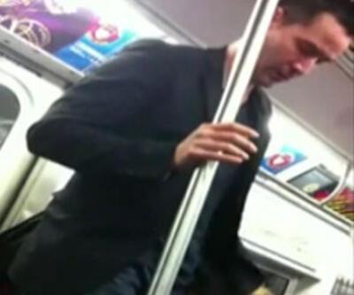 Matrix'in yıldızı metroda böyle görüntülendi