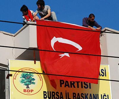 Terör protestosunda 2 tutuklama