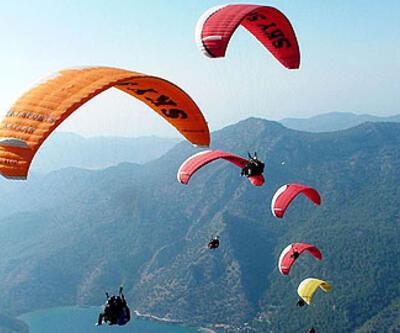 Diyarbakır'da ilk kez yamaç paraşütü yapıldı