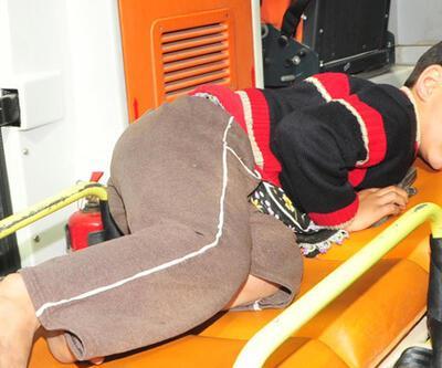 Domatesleri dökülen seyyar satıcı, çocuğu makasla yaraladı!