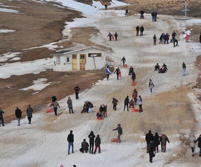 Zigana'nın kar olmayan zirvesinde kış şenliği