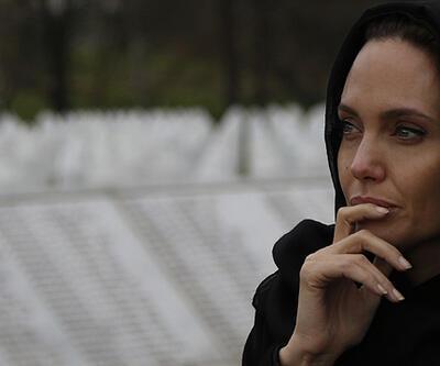Angelina Jolie gözyaşlarını tutamadı!