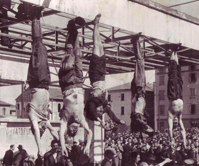 Mussolini ve metresi kurşuna dizilip ibret olsun diye teşhir edildi
