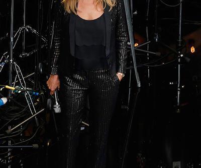 Kate Moss yine göz kamaştırdı