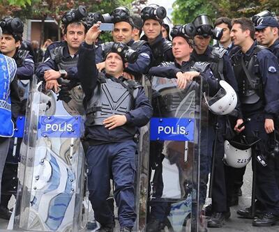 Polisten 1 Mayıs selfie'si
