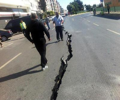 Marmaray çalışmasında yol çöktü