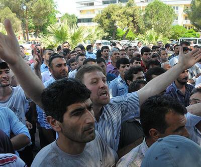 http://www.cnnturk.com/haber/turkiye/soma-karisti-isciler-ayakta