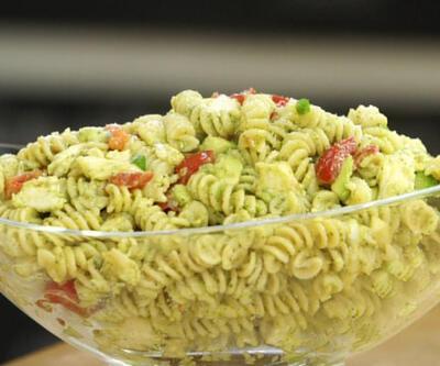 Arda Türkmen'den makarna salatası