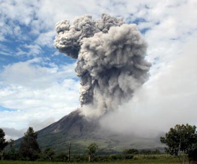 Endonezya'da Sinabung alarmı