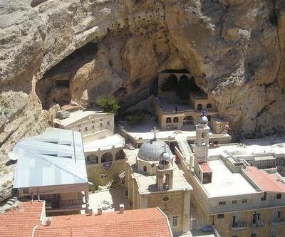 Suriye'de cihadçı gruplar Malula'daki manastıra saldırdı