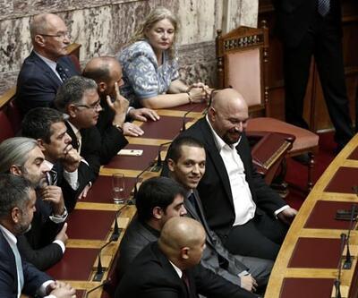 Yunanistan'da 6 ırkçı milletvekilinin dokunulmazlığı kaldırıldı
