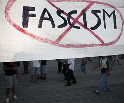 """Yunanistan """"faşizme hayır"""" dedi"""