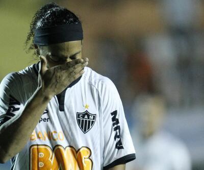 Ronaldinho'ya yurt dışına çıkış yasağı