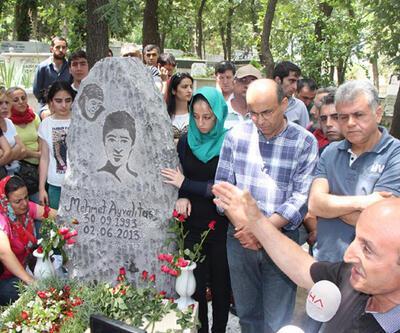 Mehmet Ayvalıtaş'a özel mezar