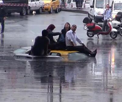 Unkapanı'nda araçlar su altında kaldı