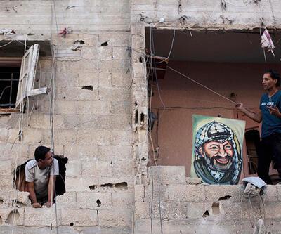 İsrail Gazze'ye bomba yağdırıyor