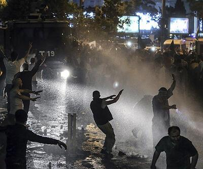 İSTANBUL'DAKİ İSRAİL BAŞKONSOLOSLUĞU ÖNÜNDEKİ EYLEME POLİS MÜDAHALESİ