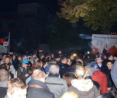 """Viyana'da """"İmam Hatip"""" protestosu"""