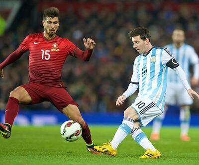 """""""Messi mutlu olduğu yerde kalmalı"""""""