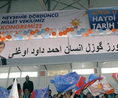 Ak Parti kongresinde Osmanlıca pankart