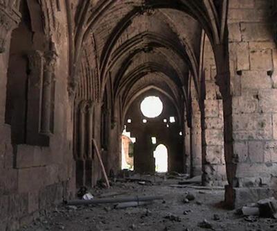 Suriye'de savaş tarihi eserleri de yerle bir etti