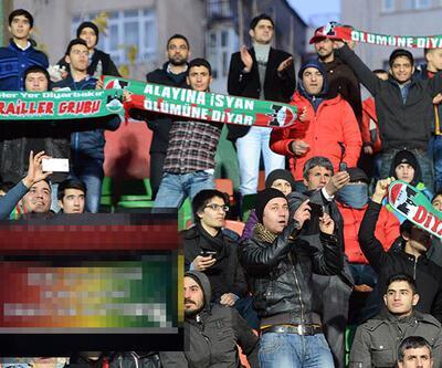 Diyarbakırspor-Galatasaray maçında dikkat çeken pankart