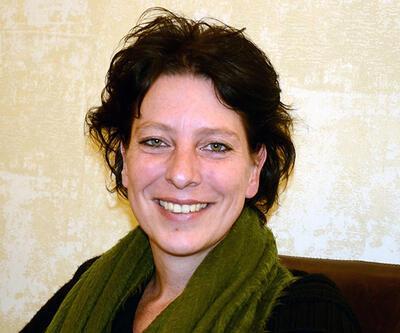 Türkiye'de yaşayan Hollandalı gazeteci evi basılarak gözaltına alındı